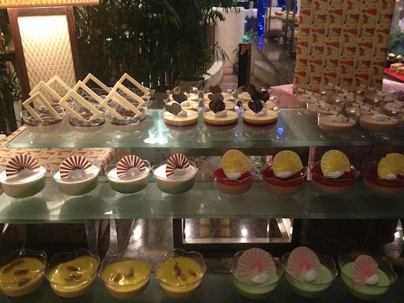 Just a tiny portion of the desert section. They even had pecan pie! *drool*