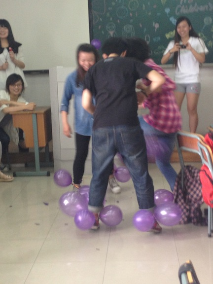As June 1st is International Children's Day a few classes used that as their theme. We got to eat candy and play silly games. (In this game each student tried to pop the other students balloons while protecting their own.)