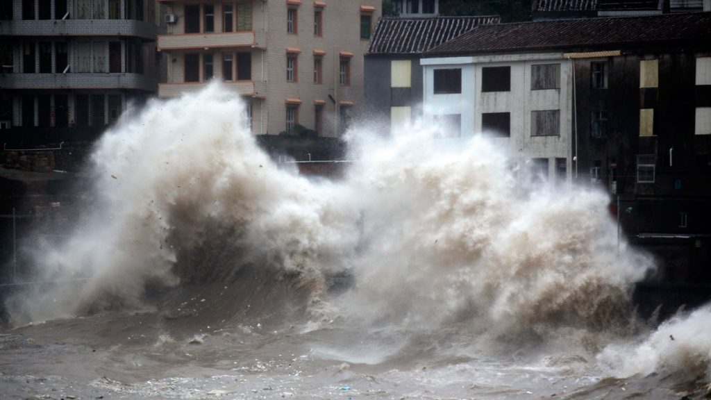This is a new image from Hangzhou, my former hometown. They got hit hard while we had clear, blue skies.